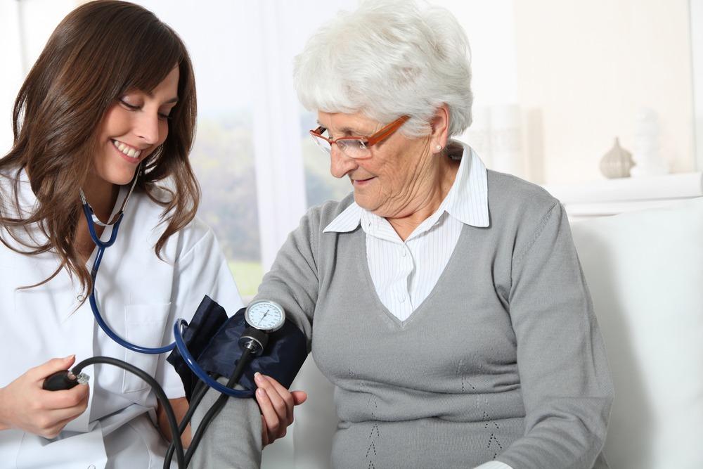 Bảo hiểm sức khỏe cho người già UIC