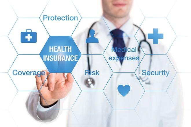 Nên mua bảo hiểm sức khỏe của công ty nào?